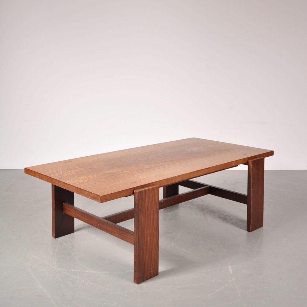 1960's Nice styled wengé coffee table with reversable top