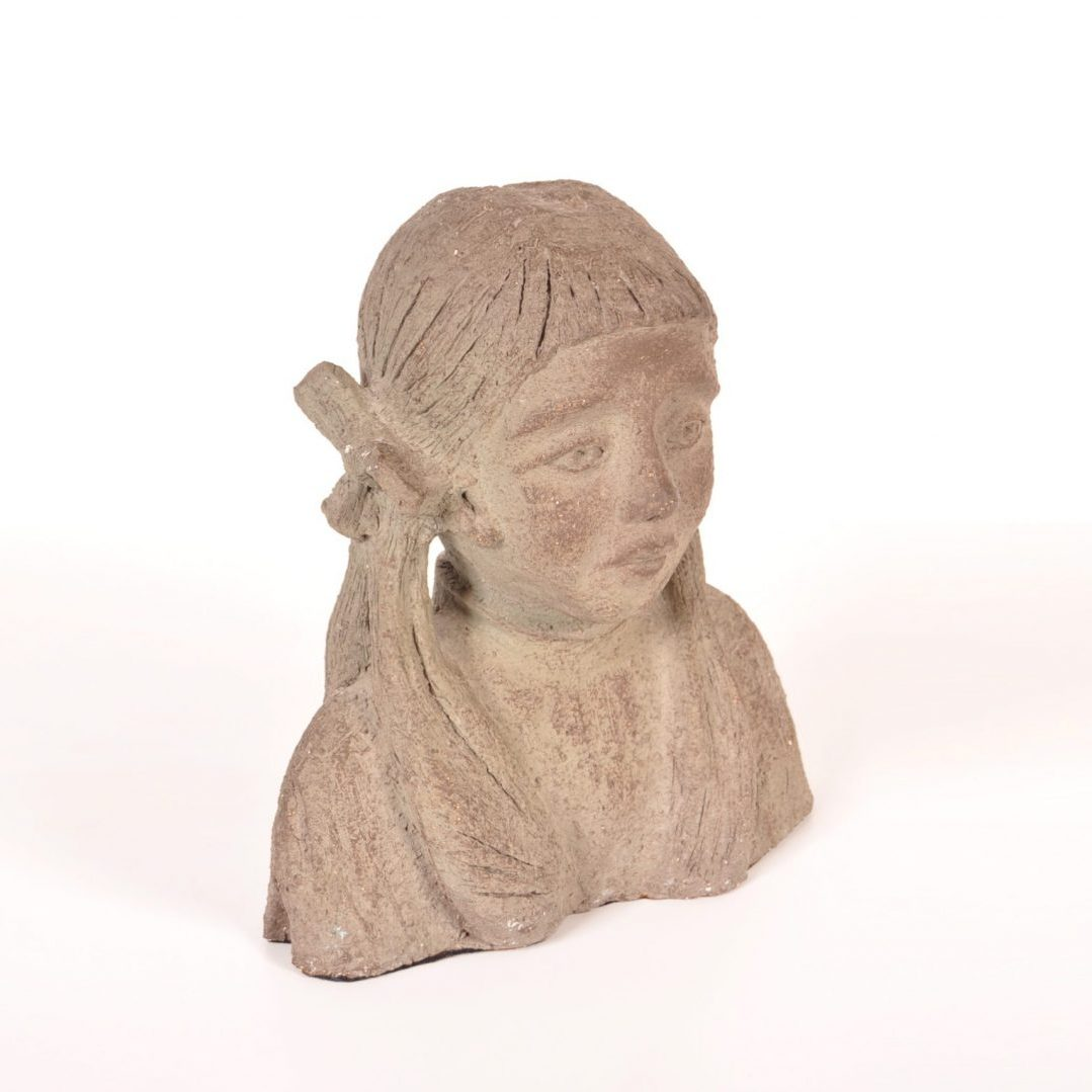1960's Lovely ceramic sculpture (buste) of a young girl Produced: Ùnknown Design: Signed V.M.