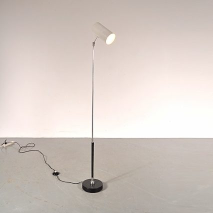 1950's Very rare floor lamp with ball and socket joint in the base and cilinder shaped hood Produced: Artimeta / Netherlands Design: Floris H. Fiedeldij