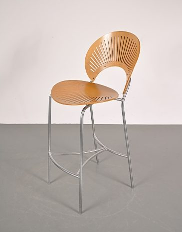 bar stool designed by Nanna Ditzel, produced by Fredericia Furniture in Denmark midcentury