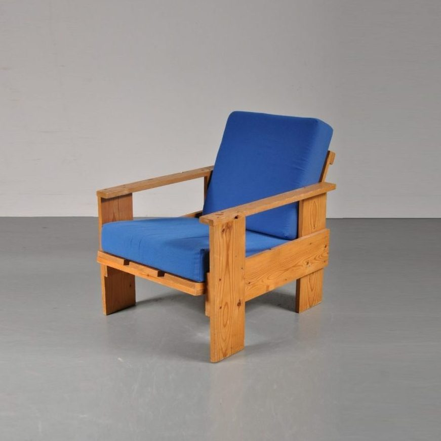 M22339 1960s Crate Chair After Rietveld Pine Wood Blue Cushion Netherlands  Front