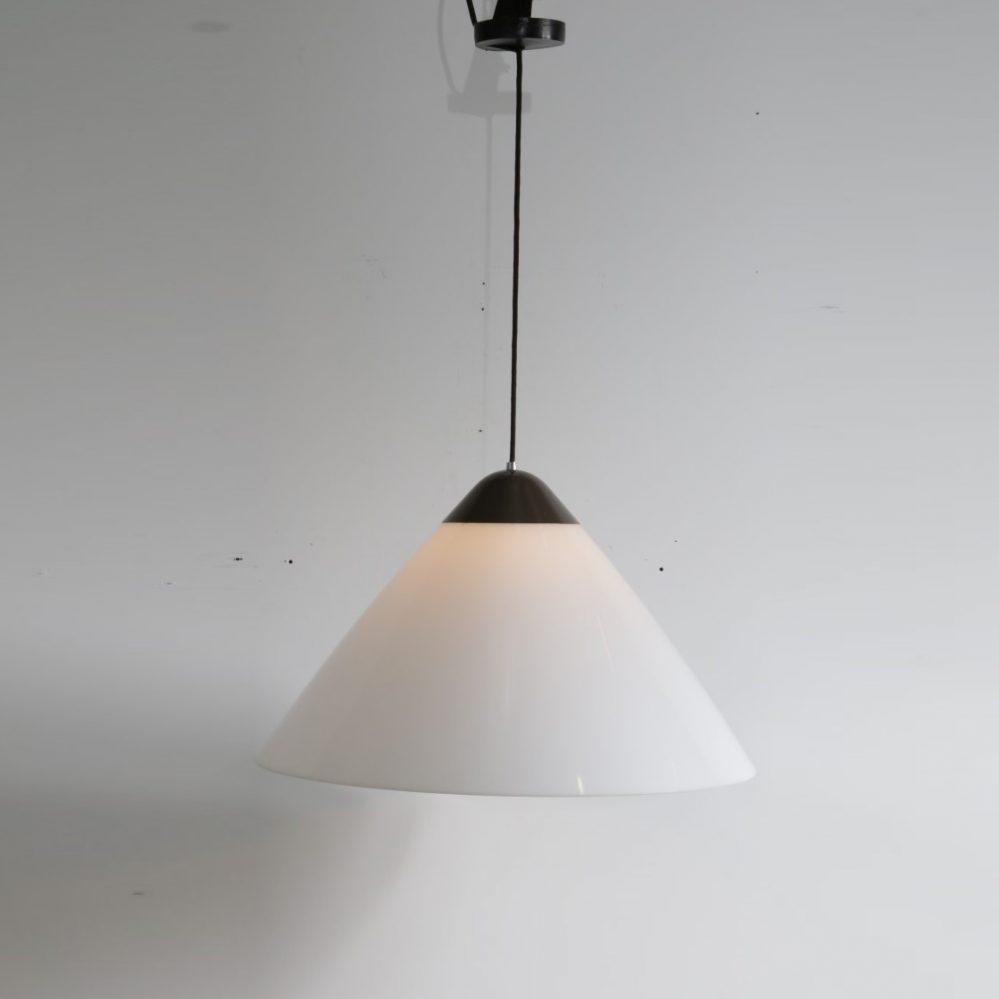 1960's Large edition Opala hanging lamp Hans J. Wegner Louis Poulsen / Denmark front