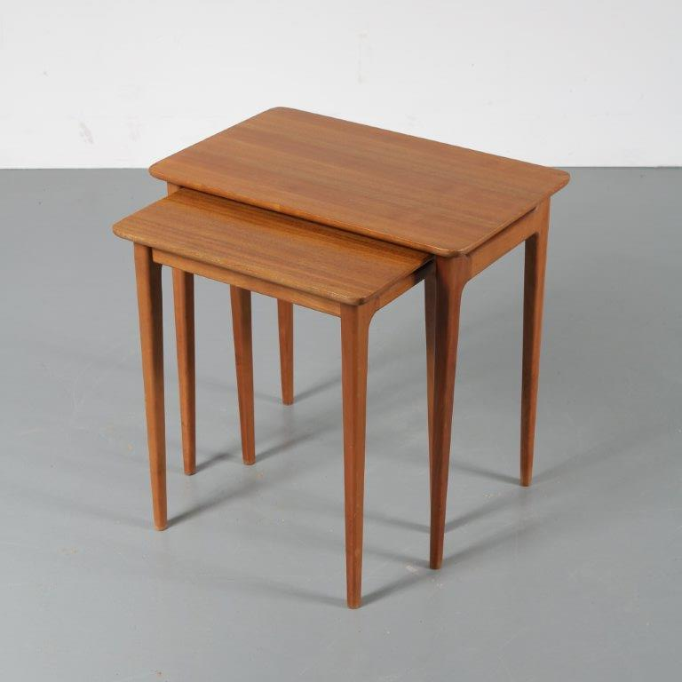m22684 1950s Pair of teak wooden nesting tables Lotos / Germany