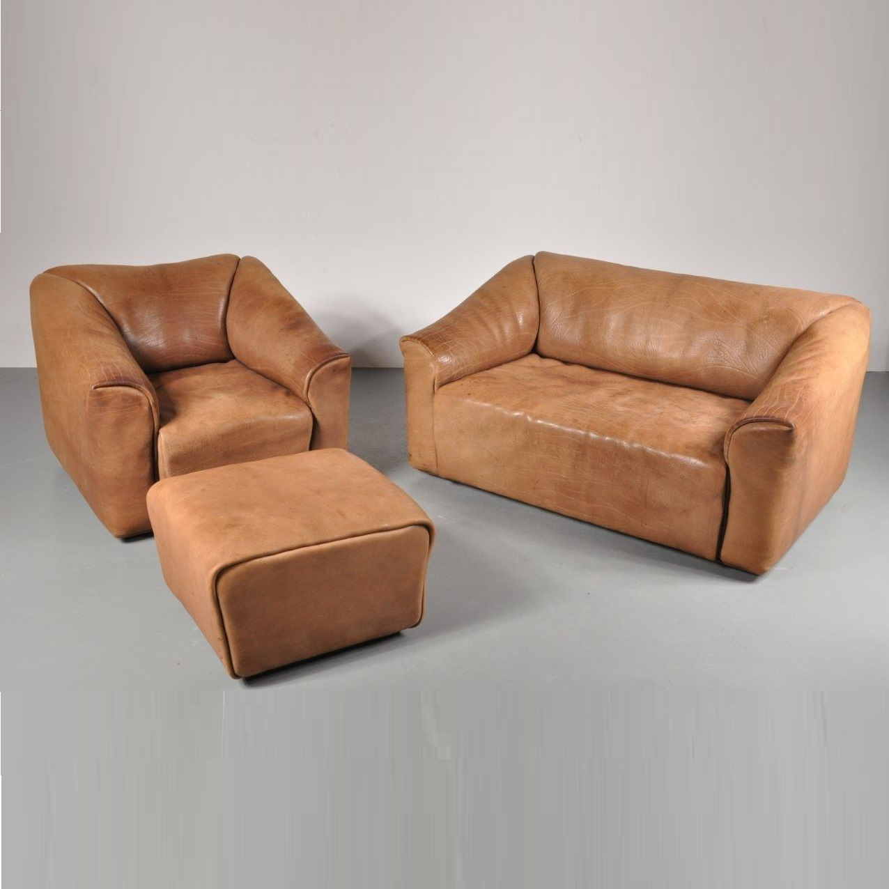 1970s DS-47 living room set by De Sede, Switzerland in cognac coloured thick neck leather