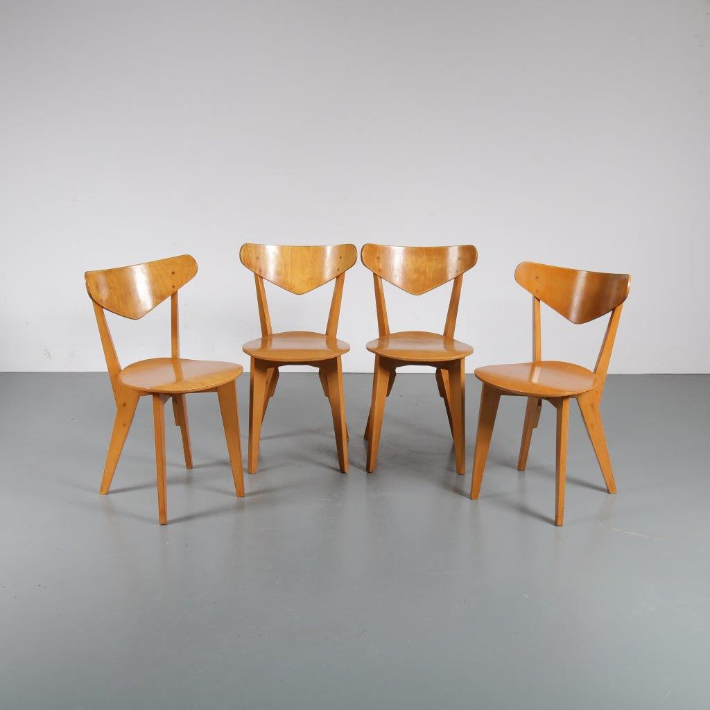 m22550 1940s Set of 4 birch dining chairs Groep& Goed Wonen / Netherlands