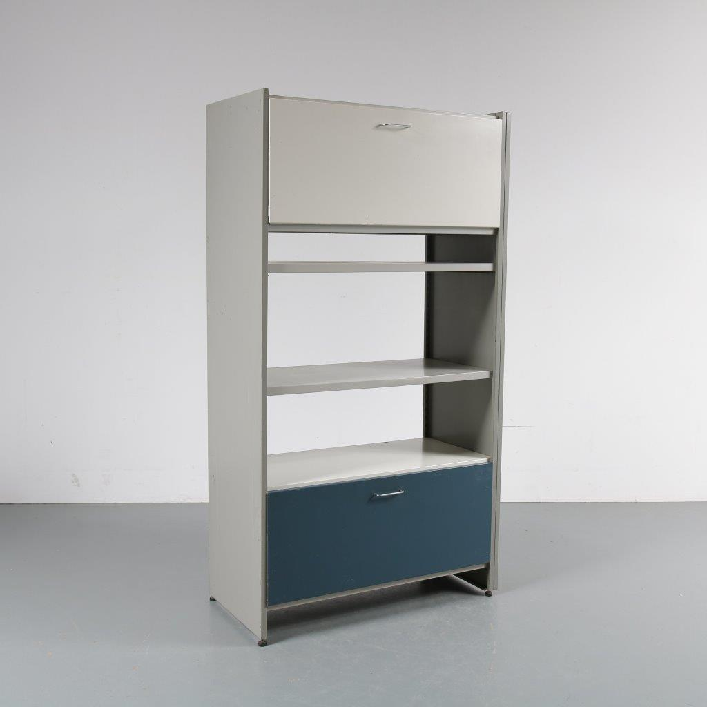 m22652 1960s High single unit metal system cabinet with several coloured doors André Cordemeijer Gispen / Netherlands