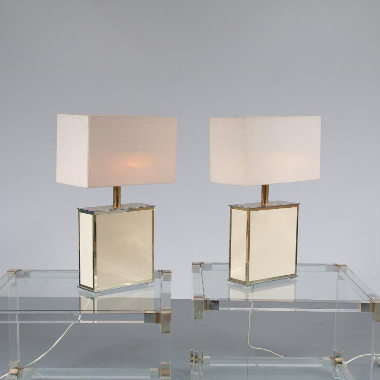 L4113 1970s Set of two luxurious table lamps beige metal with brass and fabric hoods Belgium