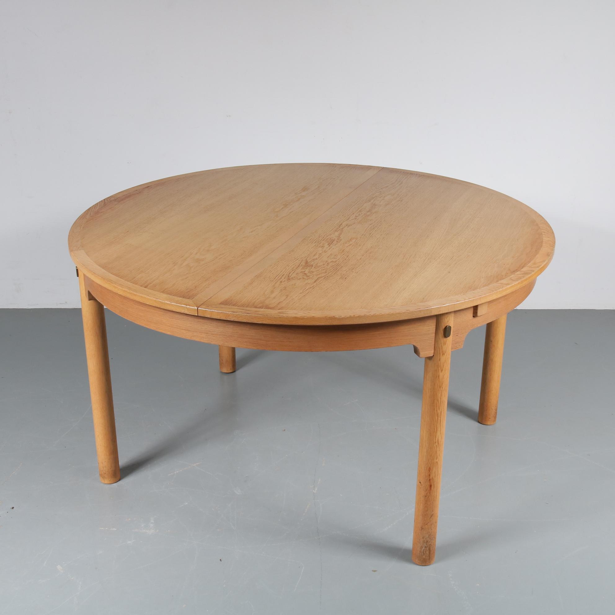 m22636 1950s Round extendable oak dining table Borge Mogensen Karl Andersson & Söner Øresund / Denmark