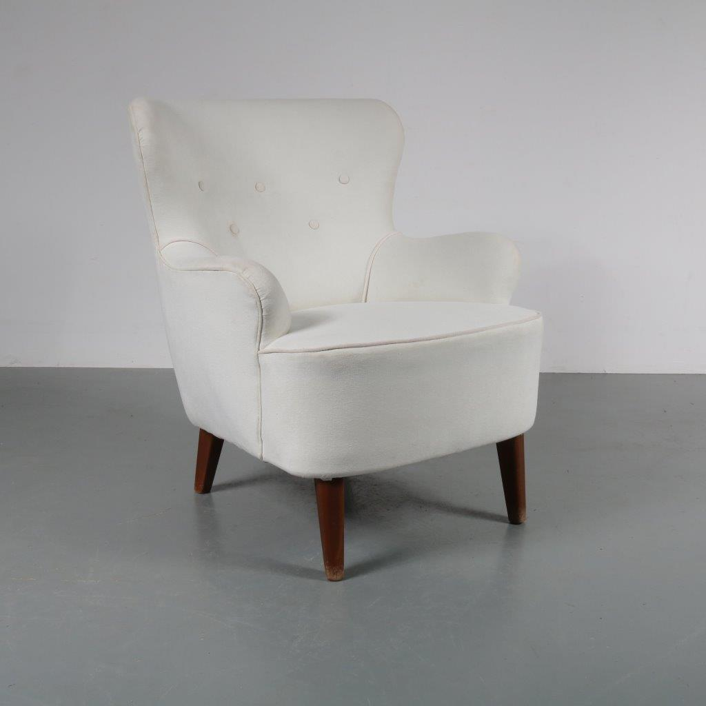 1950s Early Dutch lounge chair Designed by Theo Ruth, produced by Artifort in the Netherlands