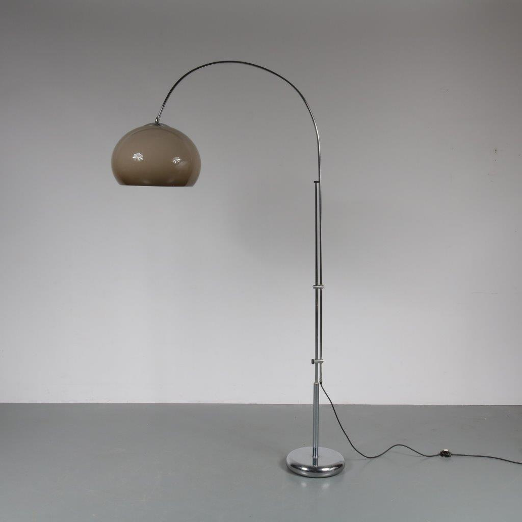 L4108 1970s Arc lamp with brown plexiglass hood and chrome Netherlands (Gepo?)