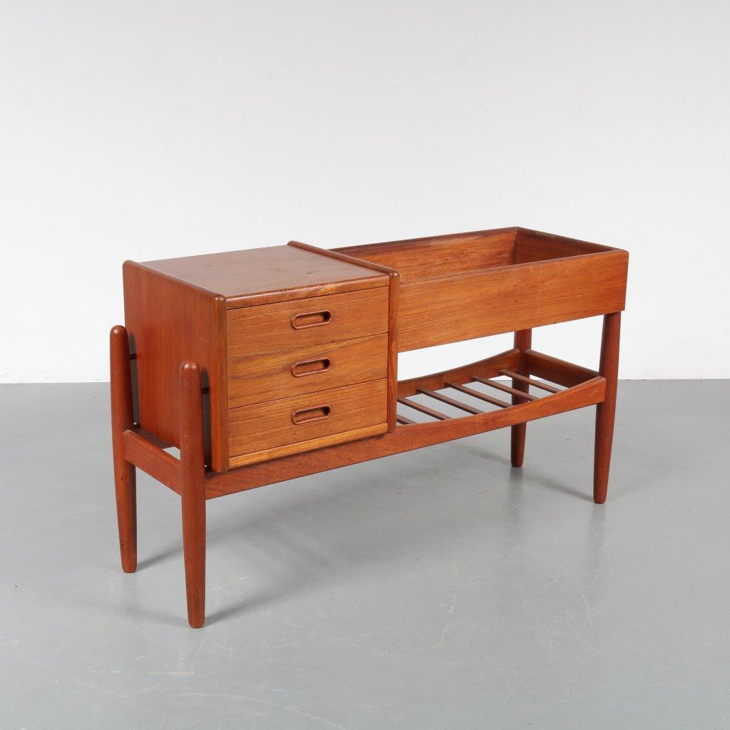m22730 1950s Plant table with drawer cabinet Arne Wahl Iversen Vinde Møbelfabrik / Denmark