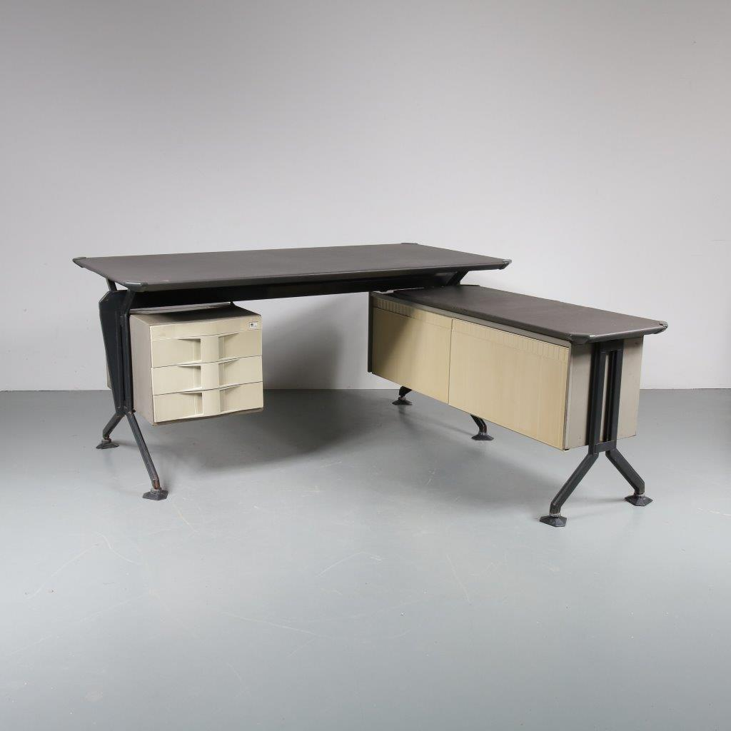 m22708 1950s Unique industrial style L-shaped desk Studio BBPR Olivetti / Italy