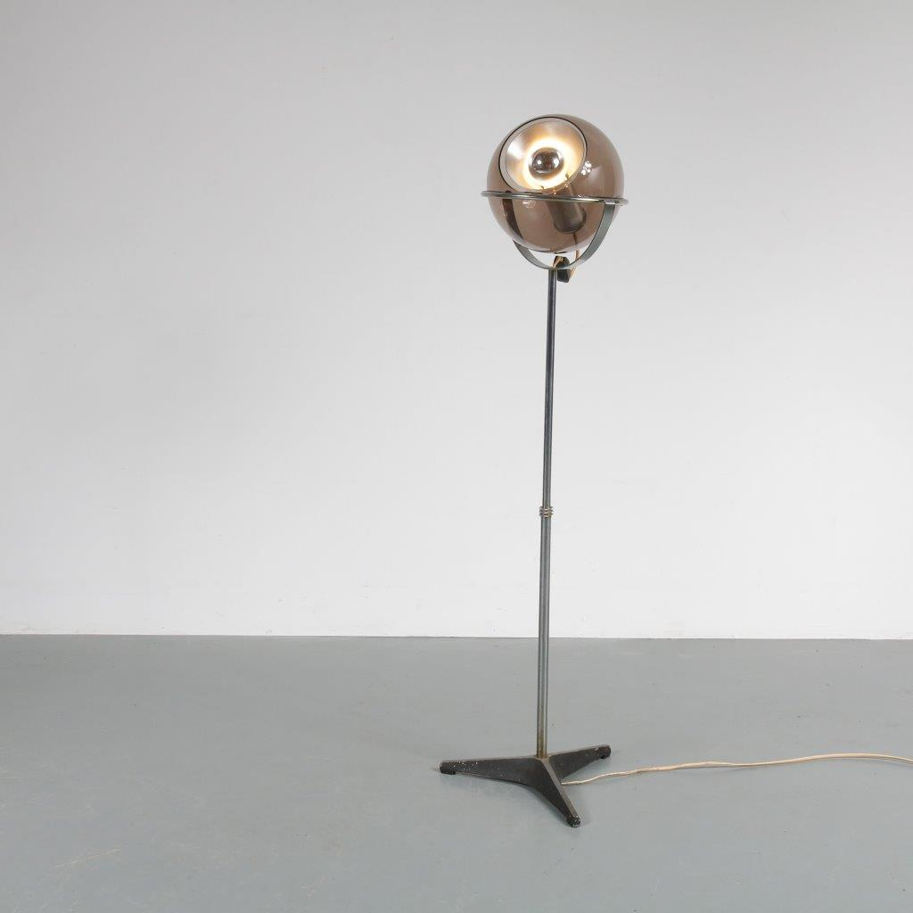 L4078 1960s lovely adjustable floor lamp model Globe Frank Ligtelijn Raak / NL