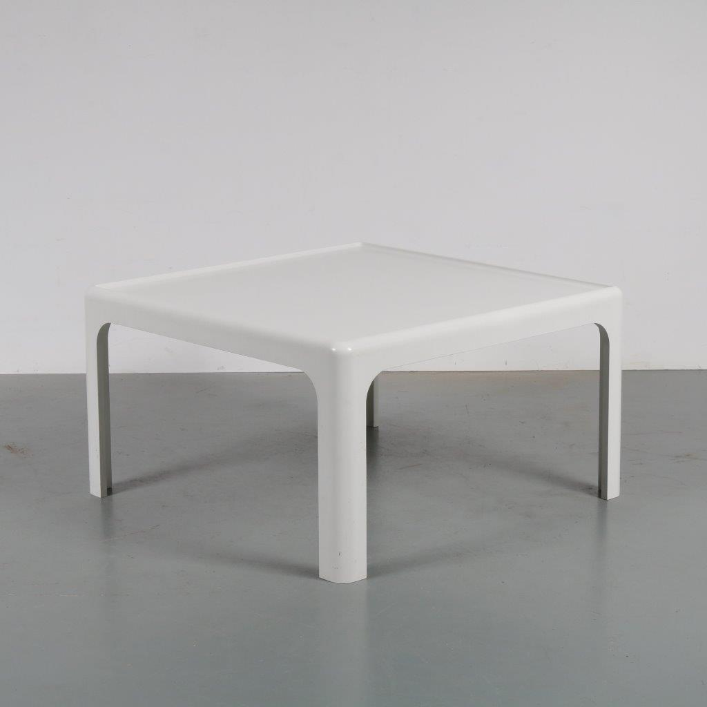 m22882 1970s White molded plastic coffee table Peter Ghyczy Horn Collection / Germany