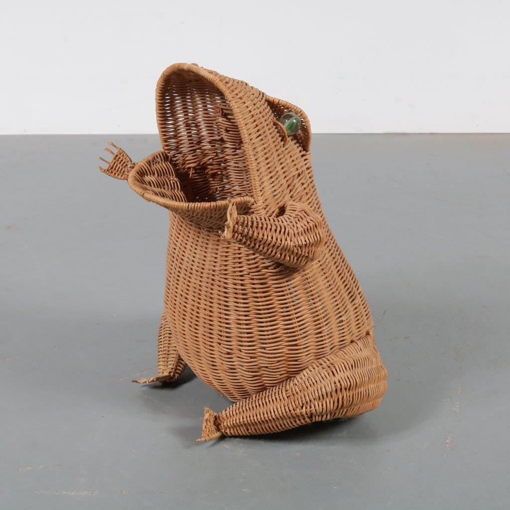 m22897 1970s Wicker magazine rack in the shape of a frog