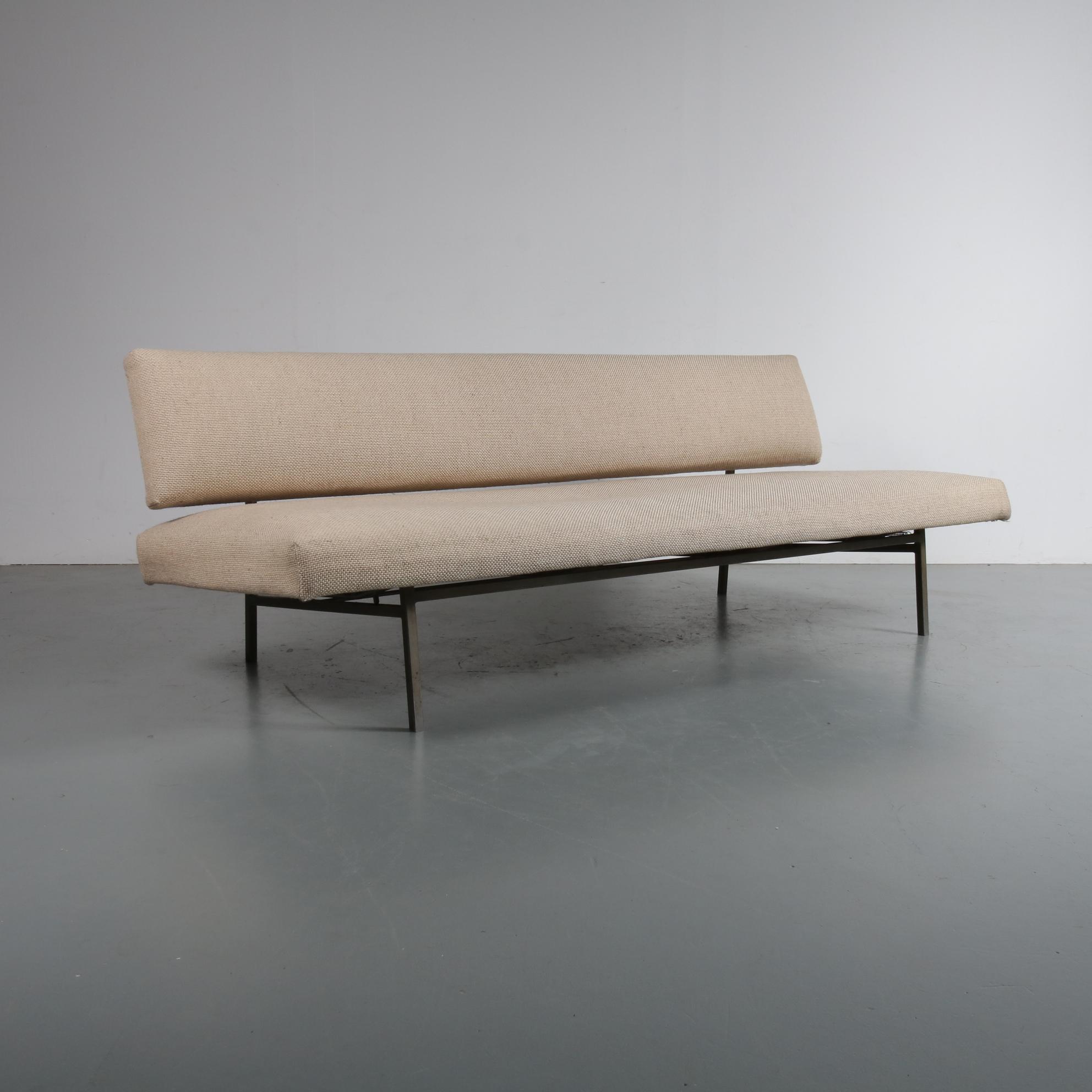 m22933 1950s Sleeping bench on grey metal base with original beige upholstery Rob Parry Gelderland / NL