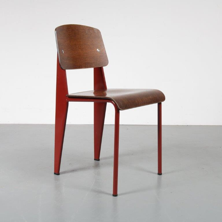 m22986 2000s Standard chair in red metal with wooden seat and back Jean Prouvé Vitra / Germany