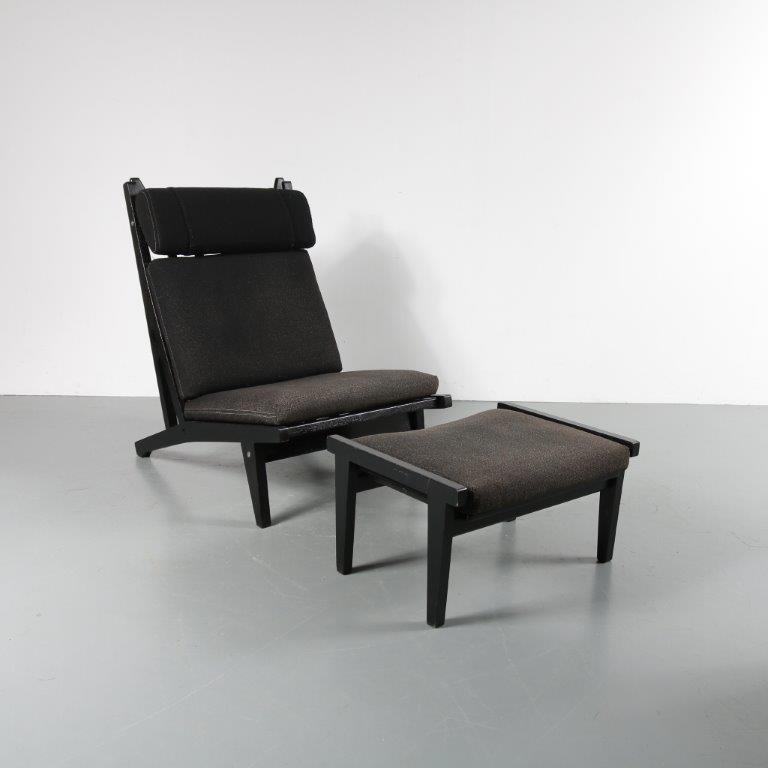 m23005 1960s Black painted wooden easy chair with foot stool, grey / black fabric upholstery Hans J. Wegner Getama / Denmark