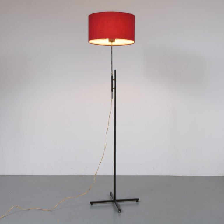 L4155 1960s Modern styled adjustable floor lamp on black metal base with red fabric hood