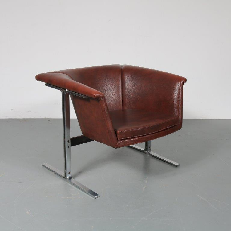 m22954 1960s Easy chair on chrome metal base with brown skai upholstery Geoffrey Harcourt Artifort / Netherlands