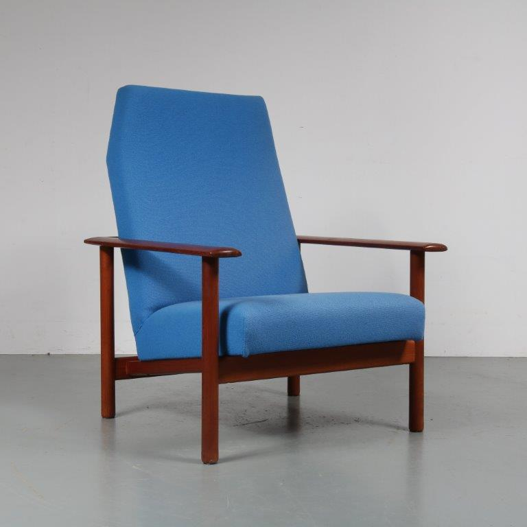 m22995 1960s Solid teak easy chair with blue upholstery Denmark