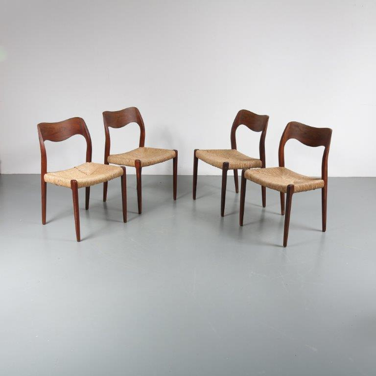 m22996 1950s Set of four rosewood dining chairs with rush upholstery Moller Moller / Denmark