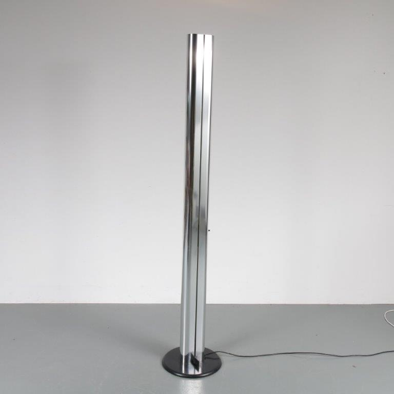 L4142 1970s Floor lamp model Megaron Gianfranco Frattini Artemide / Italy