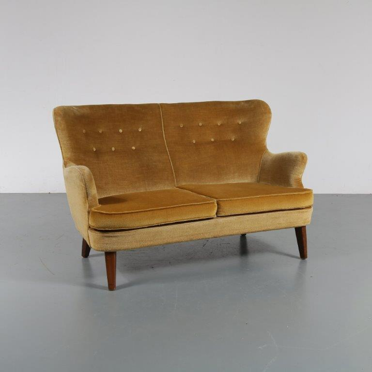 m22942 1950s 2-Seater sofa with golden / yellow Bouclé upholstery Theo Ruth Artifort / Netherlands