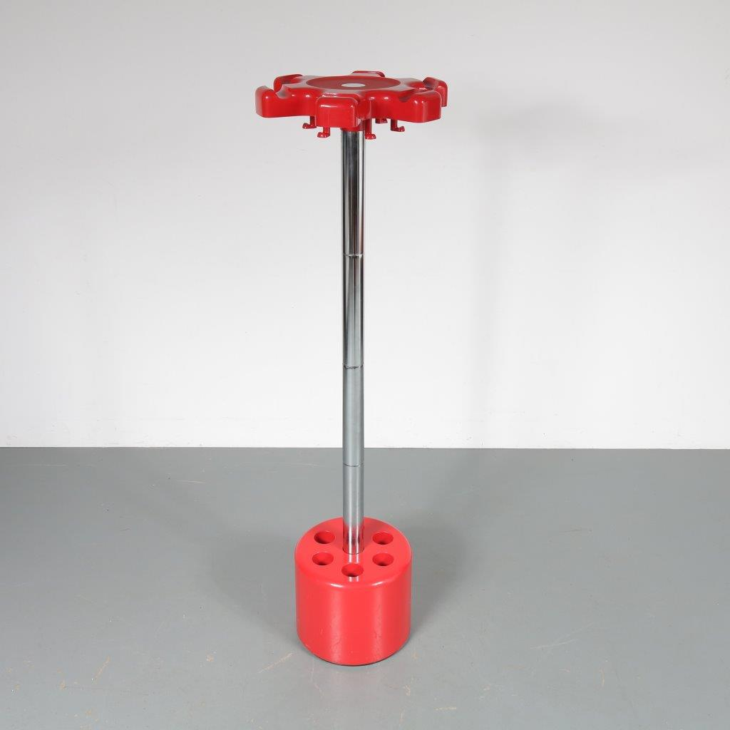 m23064 1970s Free standing coat stand red plastic with chrome metal dismountable Paolo Orlandini / Roberto Lucci Velca / Italy