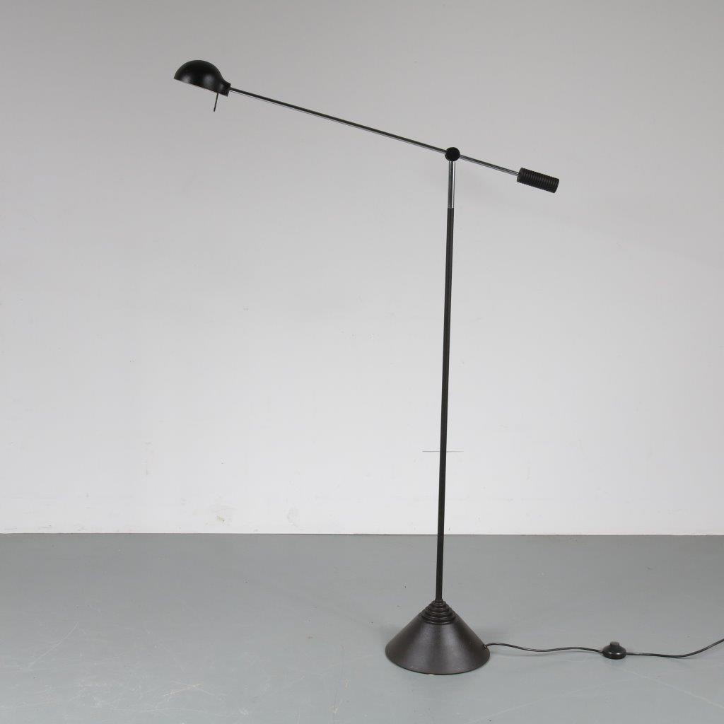 L4107 1970s Counter balance floor lamp in black cast iron with chrome Luci / Italy