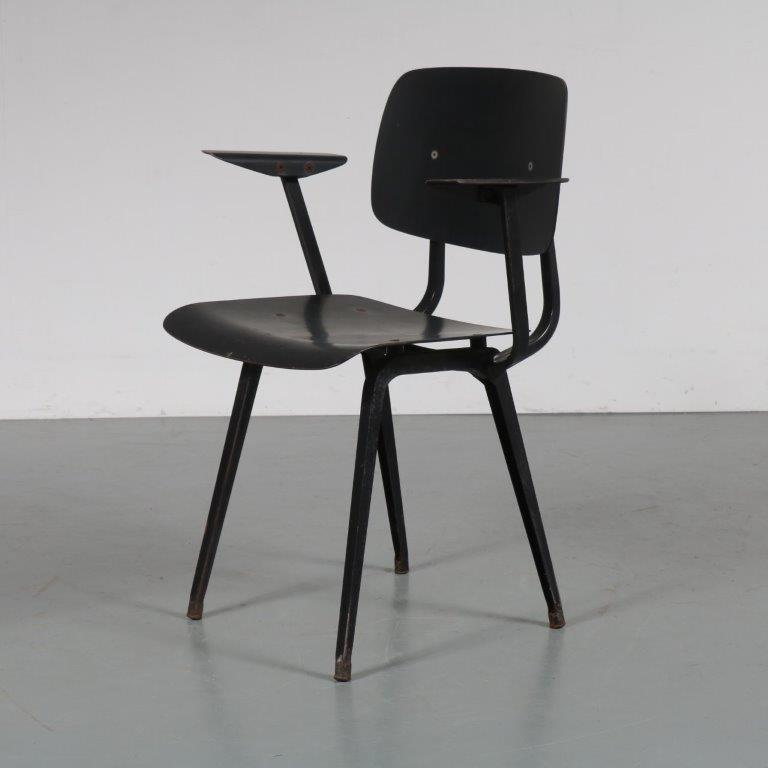 m23180 1950s Black Revolt chair with armrests Friso Kramer Ahrend de Cirkel / Netherlands