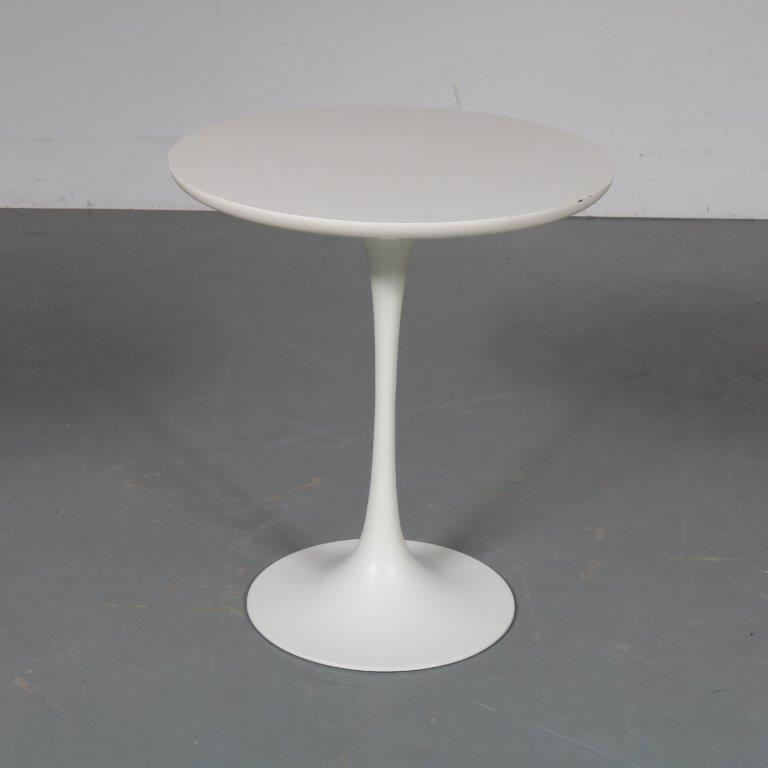 m23233 1970s Tulip style side table on white aluminium base with white laminated top Maurice Burke Akana / UK