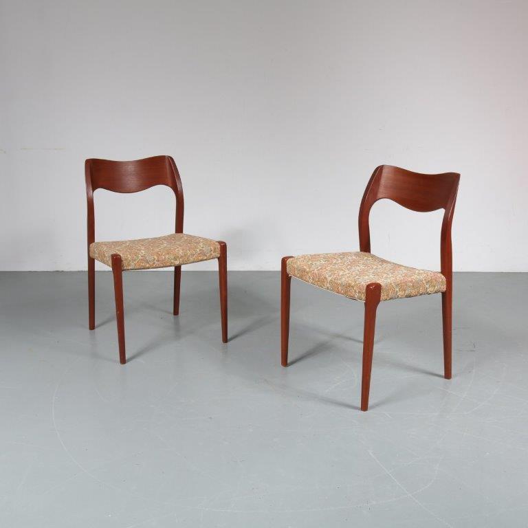 m23289 m23290 1950s Teak dining chair model 71 Moller Moller / Denmark