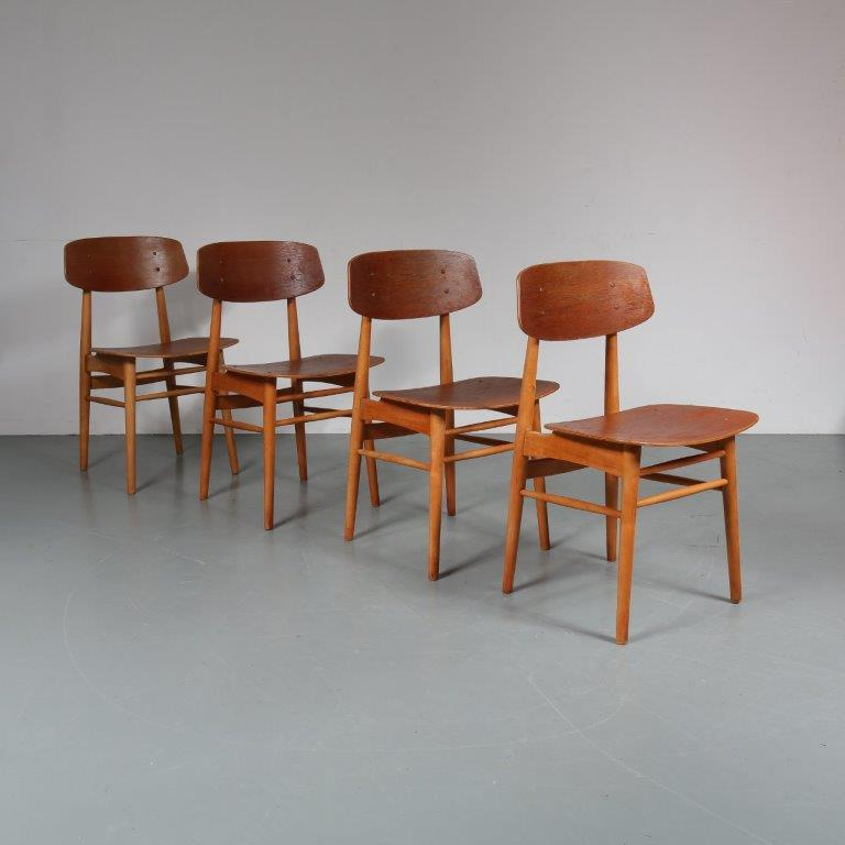 m23288 1950s Set of 4 Dining Chairs in oak with teak wood Børge Mogensen Søborg Møbelfabrik / Denmark