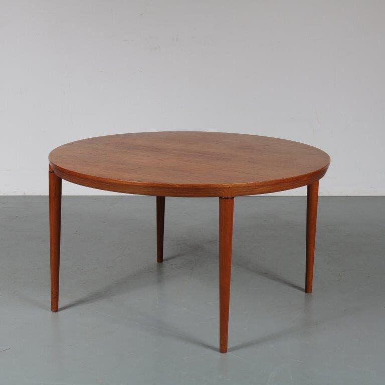 m23210 1960s Luxurious round teak coffee table Severin Hansen Haslev Mobler / Denmark