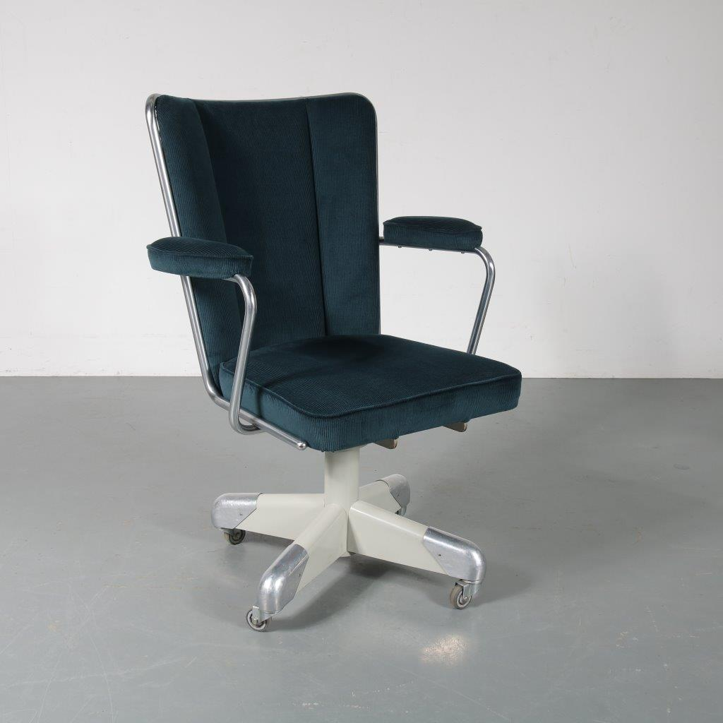 m23285 1950s President desk chair on grey with chrome metal base with new upholstery Christoffel Hoffman Gispen / Netherlands