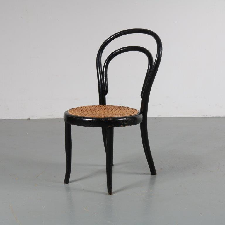 m23021 1900's black wooden children chair Michel Thonet Köhn/ Austria