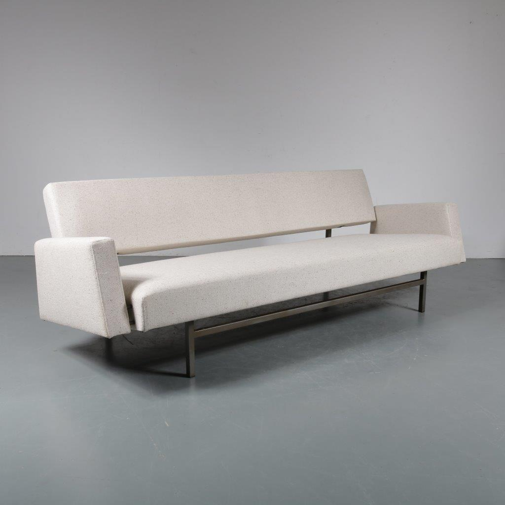 m23209 1950s 3-Seater sofa / sleeping bench on grey metal base with fabric armrests, new upholstery Rob Parry Gelderland / Netherlands