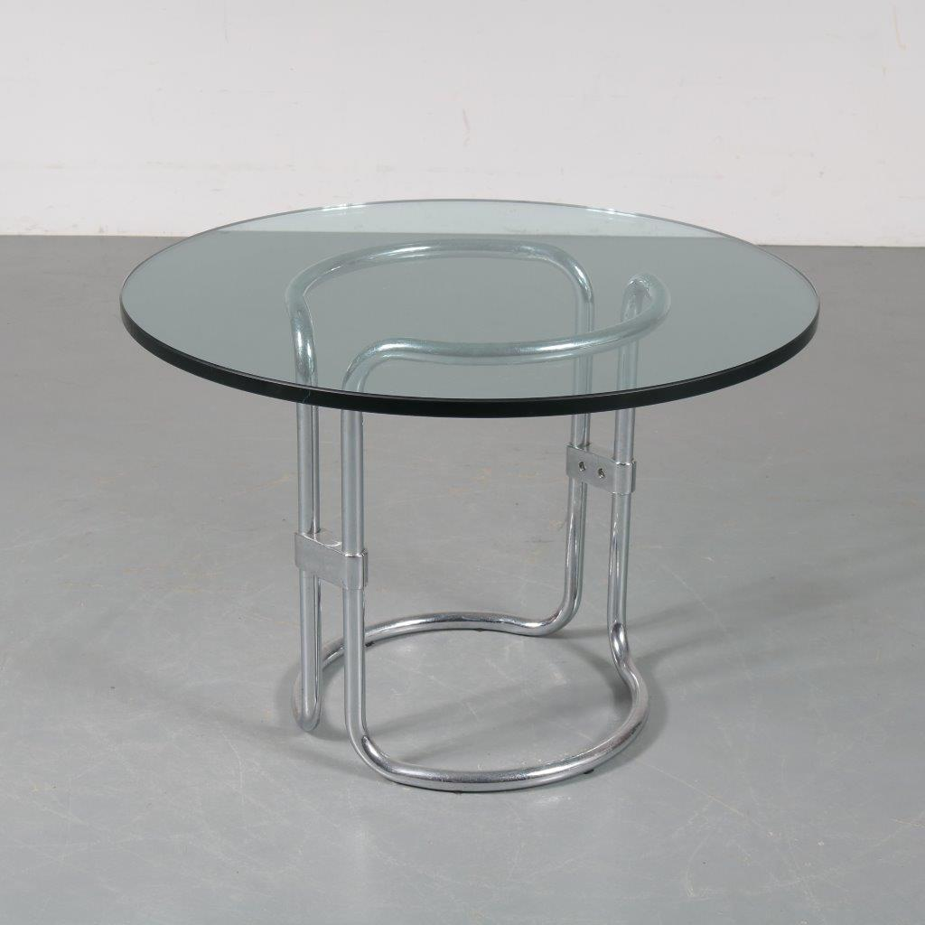m23413 1970s Side table on chrome pipe metal base with thick round glass top matching with Pan Am