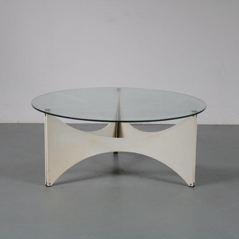 m23453 1960s TZ75 coffee table white laminated base and round glass top Werner Blaser t Spectrum / Netherlands