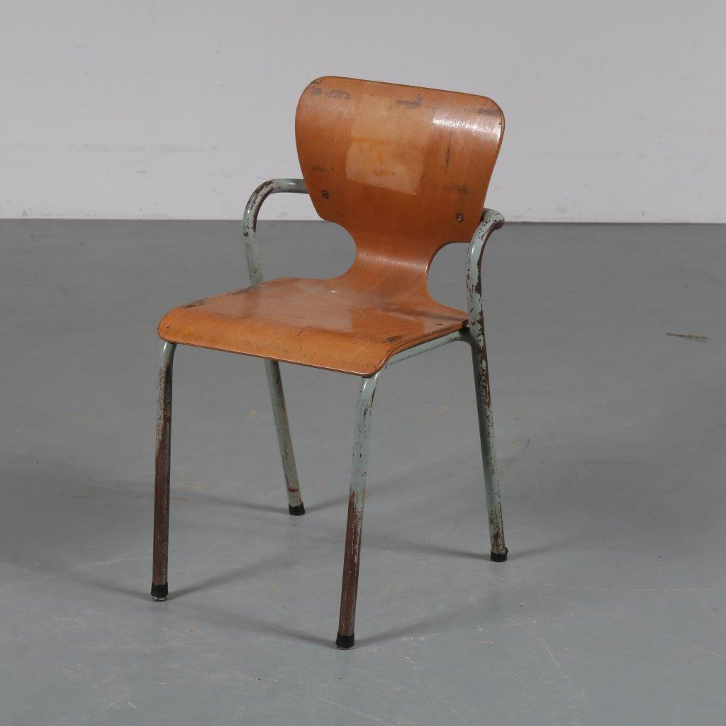 m23374 1950s Industrial styled children's chair with plywood seat Ahrend de Cirkel / Netherlands