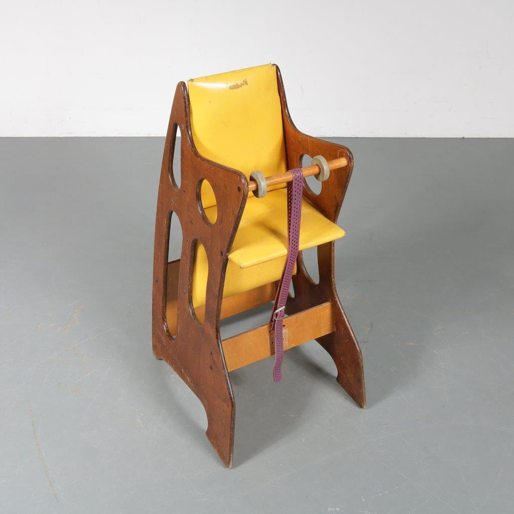 m23393 1970s Rare Wooden edition Hokus Pokus Multimobel children chair Sweden
