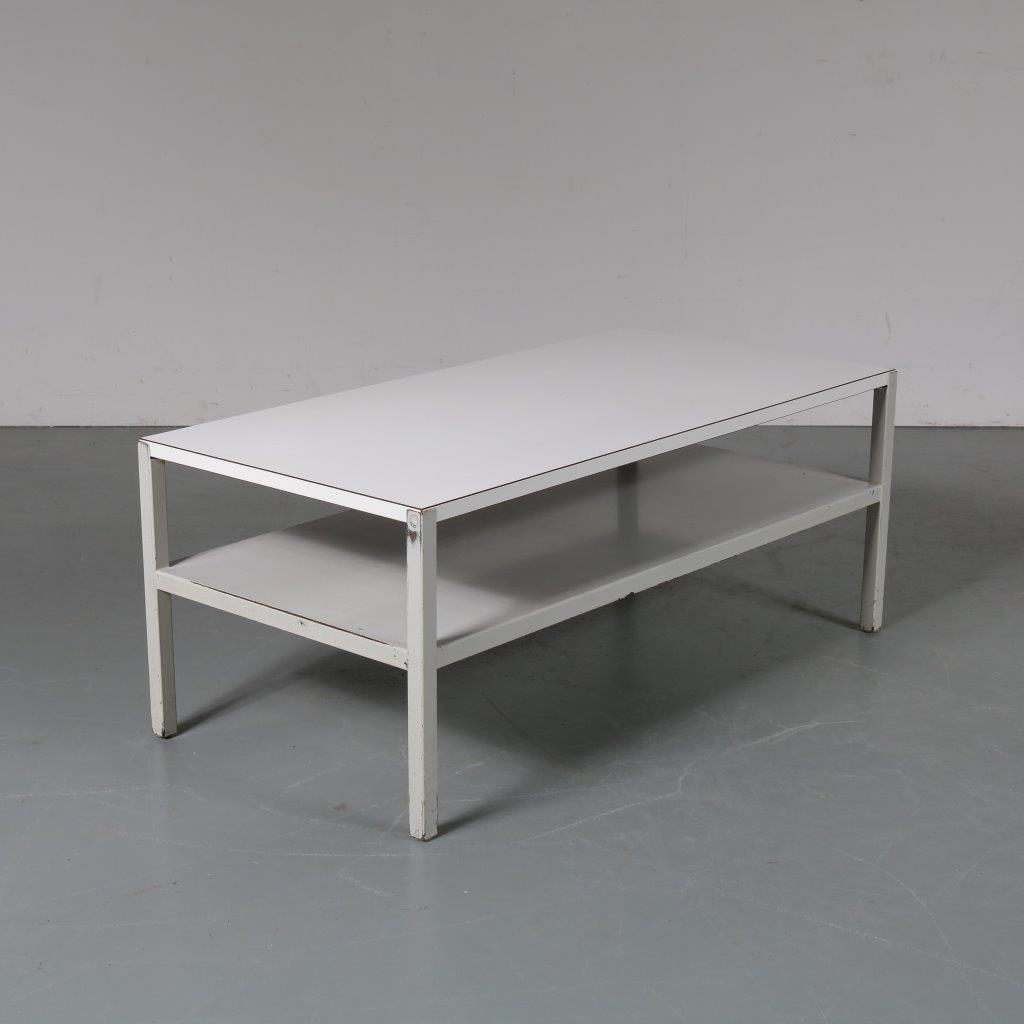 m23368 1950s White metal with two white laminated tops coffee table Wim Rietveld Ahrend de Cirkel / Netherlands