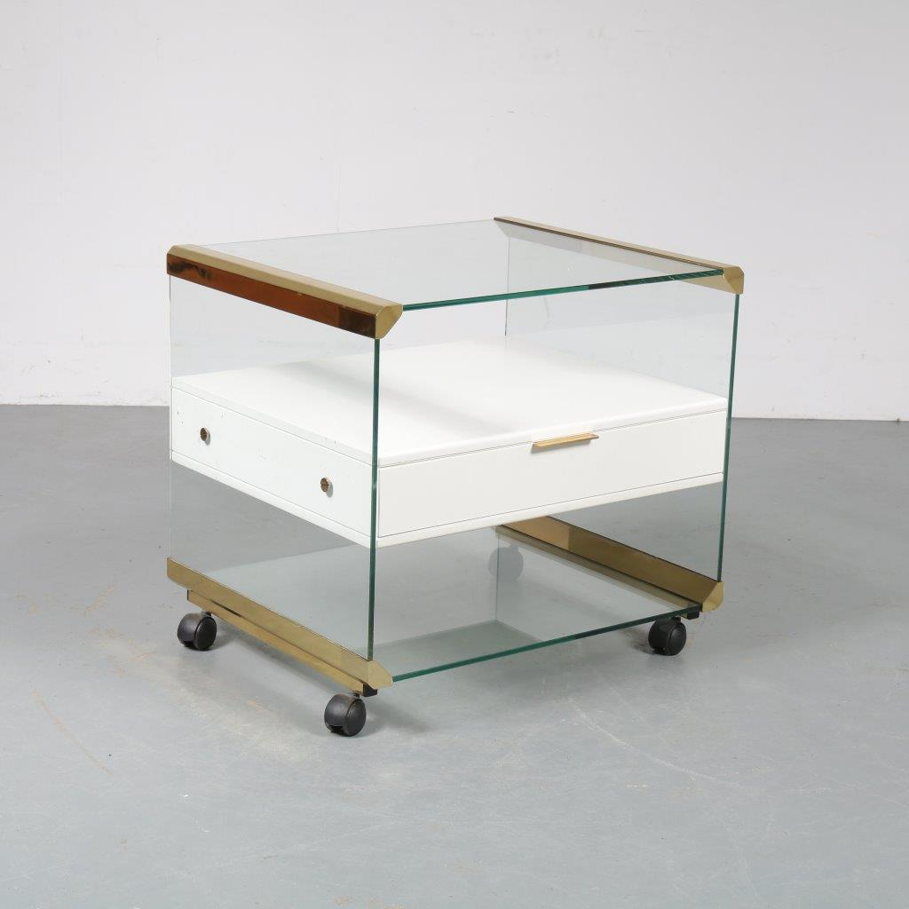m23369 1970s Luxurious glass trolley with brass details Galotti & Radice / Italy