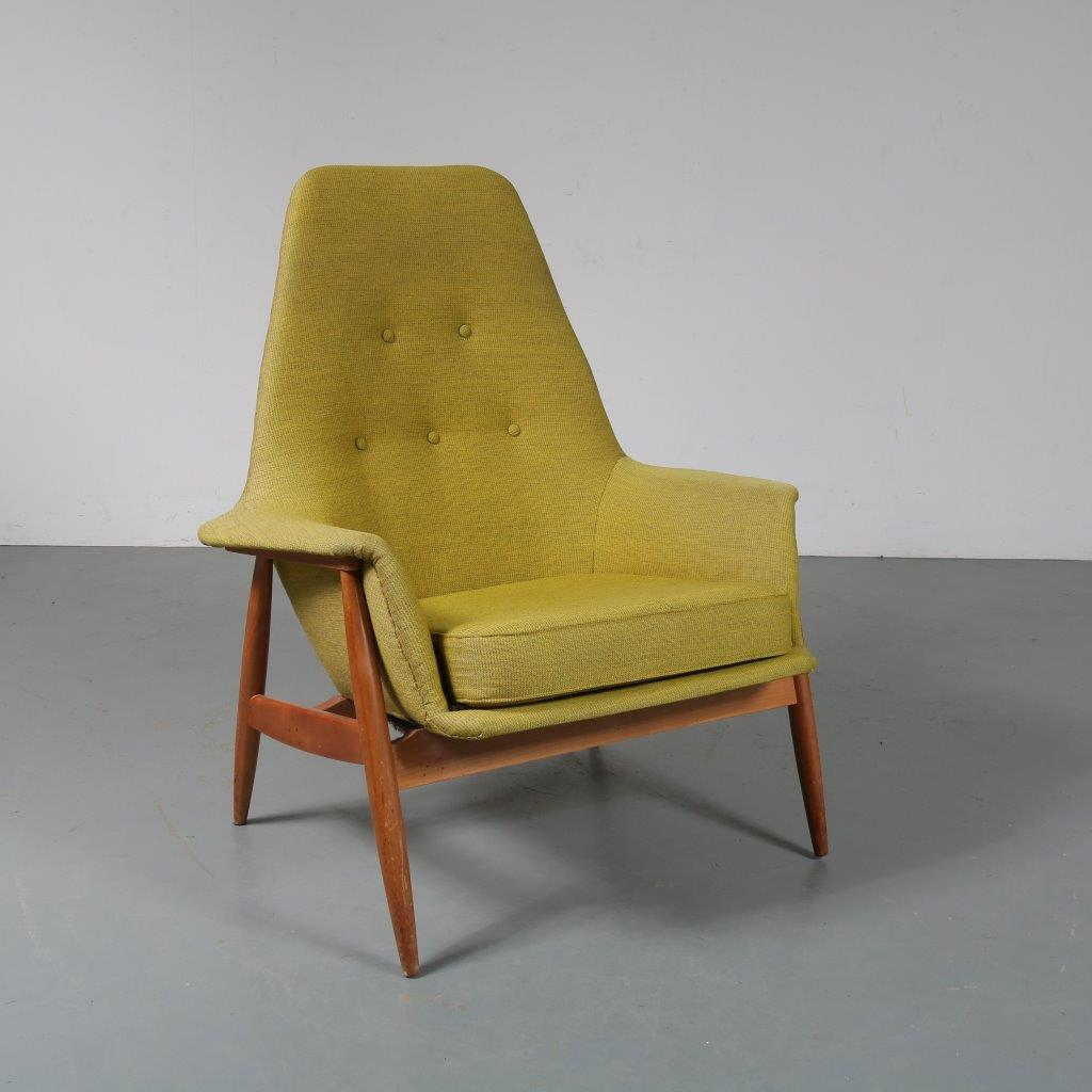 m23290 1950s Rare easy chair on birch wooden base with green fabric J. van Gunteren Gelderland / Netherlands