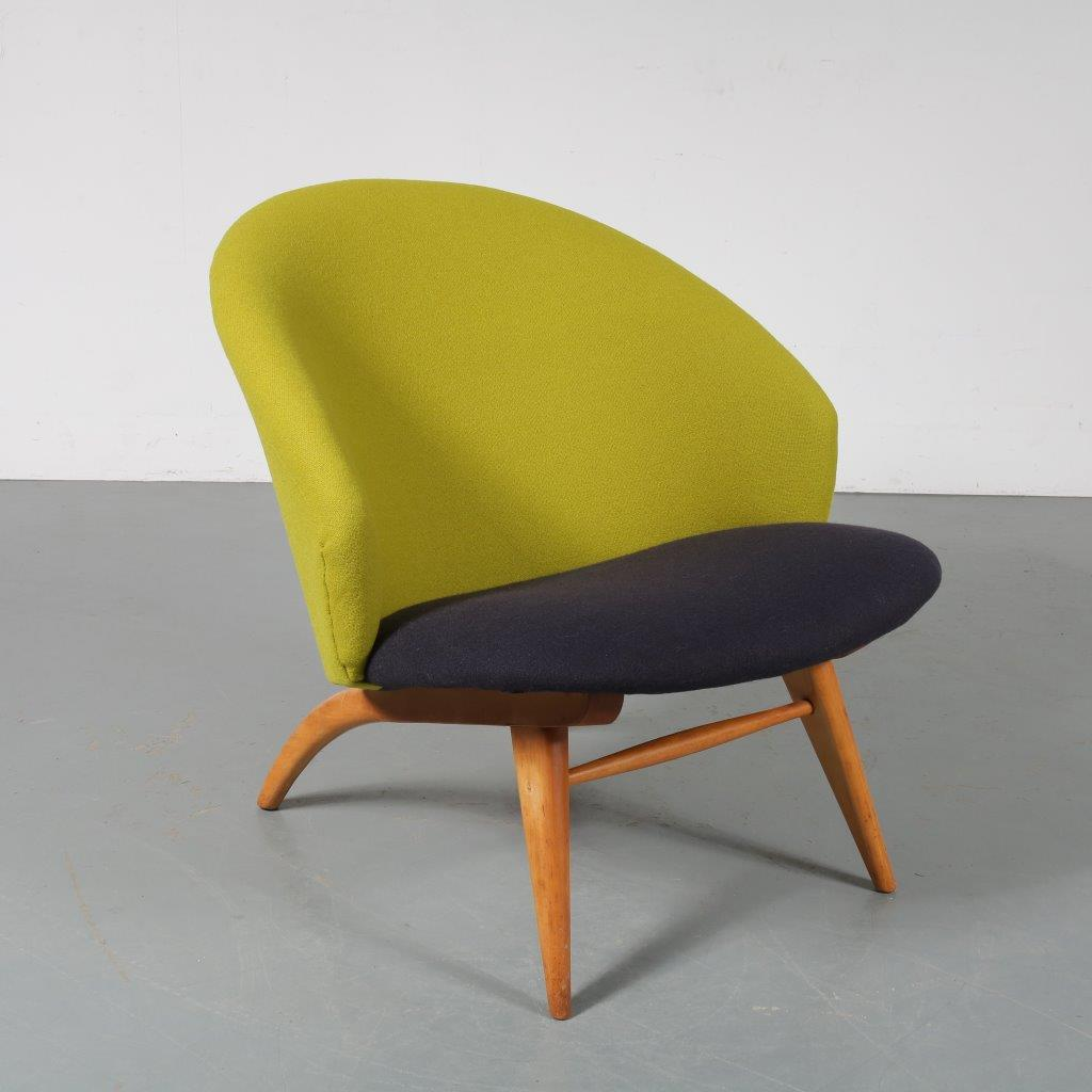 m23632 1950s Easy chair on beech wooden frame with new Kvadrat upholstery Theo Ruth Artifort / Netherlands