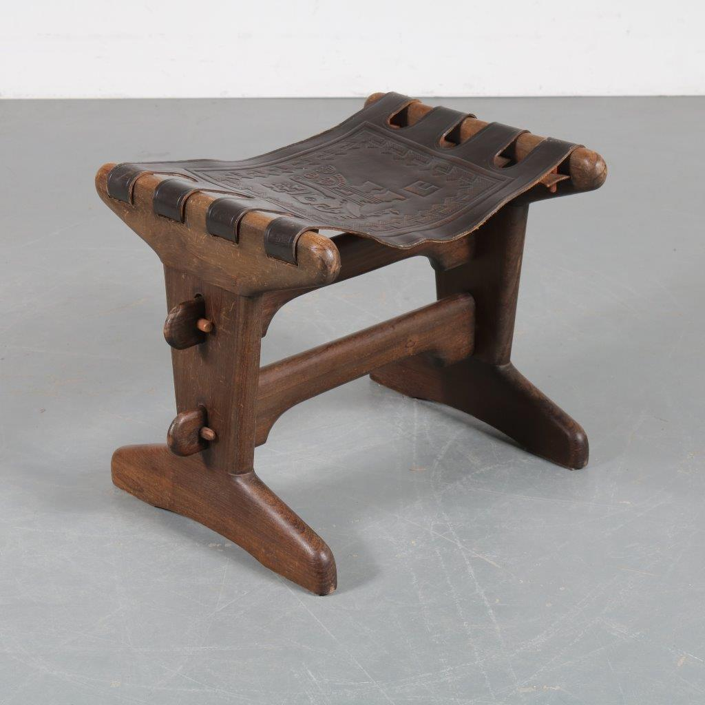 m23515 1960s Foot stool wood and black leather Angel Pazmino Ecuador