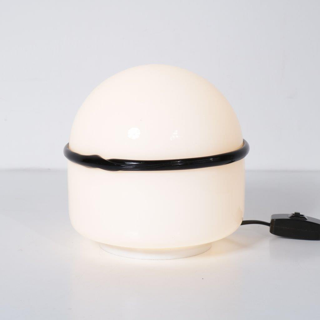 L4131 1960s Milk glass table lamp with black glass ring Noti Massari Leucos / Italy