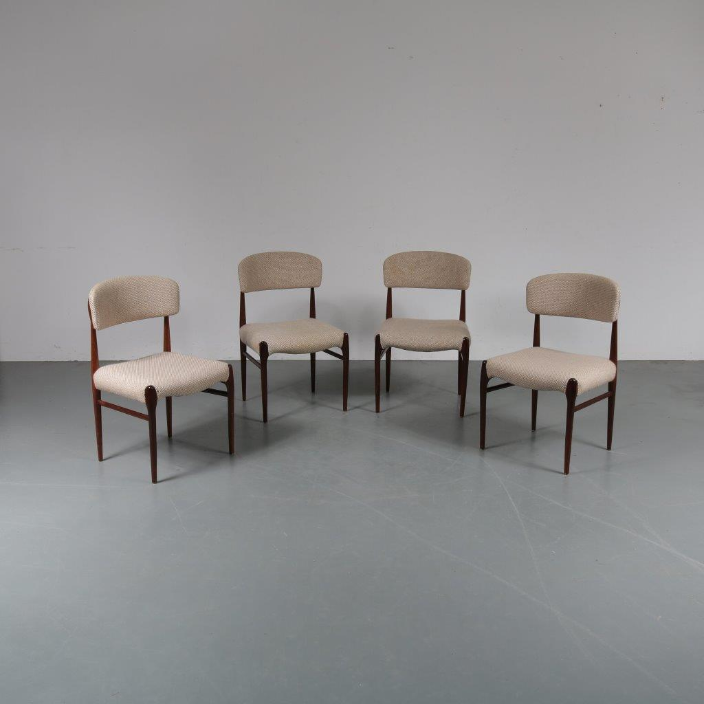 m23478 1950s Nice set of 4 rosewooden dining chairs with beige wool upholstery