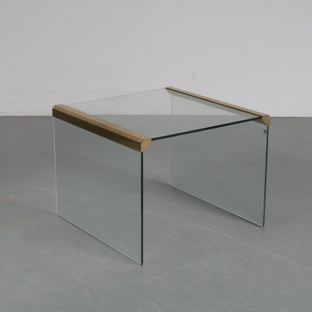 m23648 1970s Luxurious side table glass with brass details Pierangelo Galotti Galotti & Radice